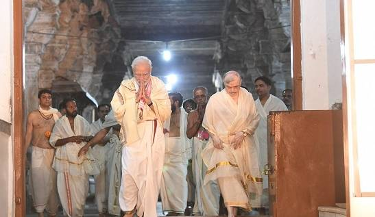 modi in kerala temple20190608141533_l